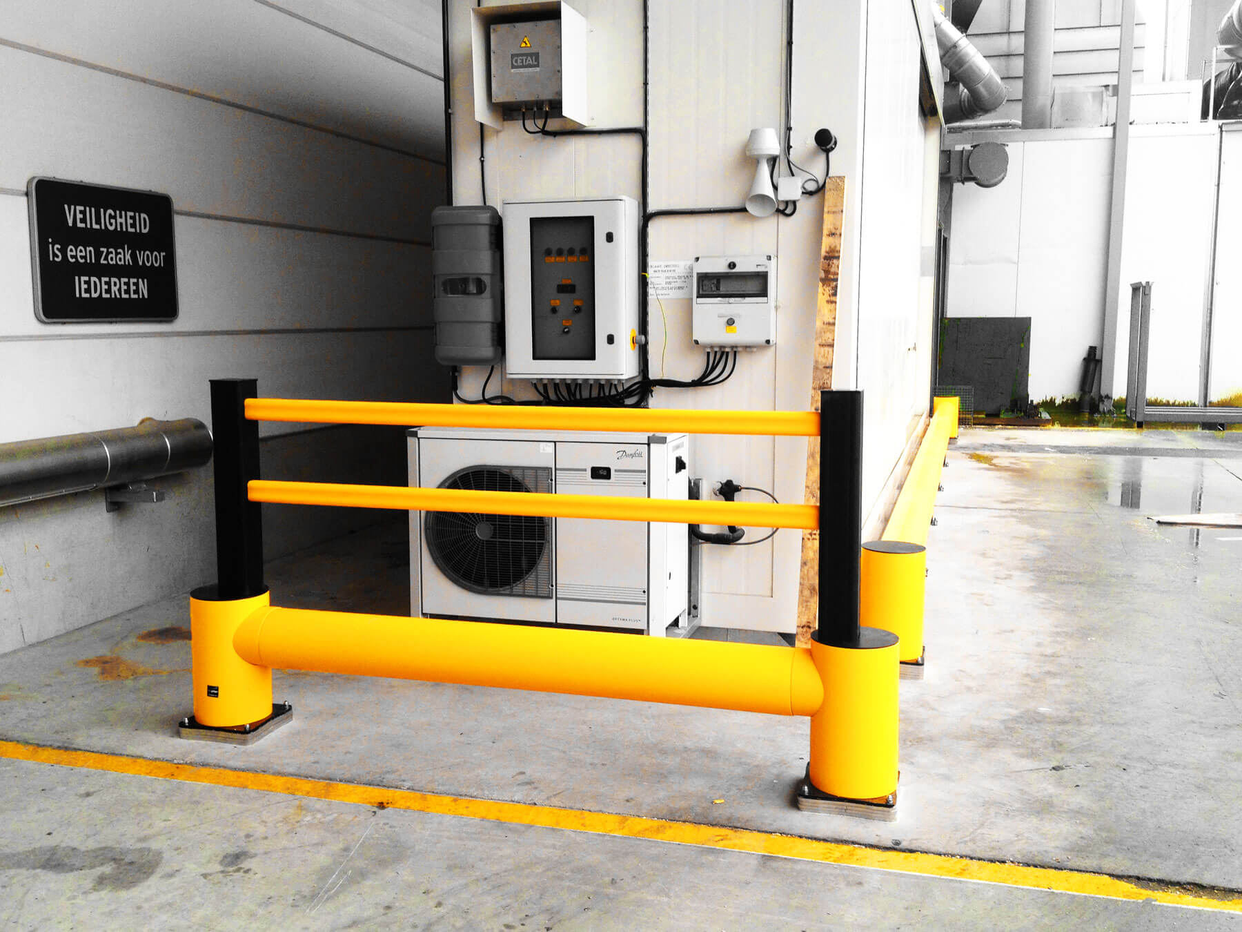 manual forklift warehouse safety barrier.jpg