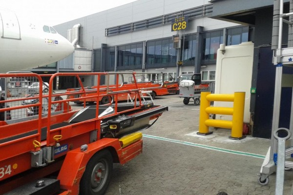 safety barriers airport